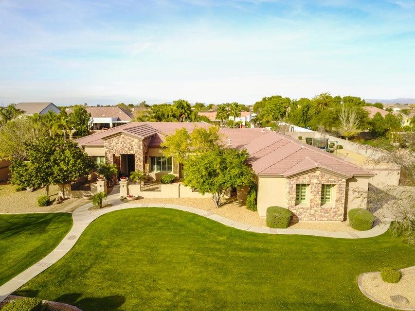 2764 E COUNTRY SHADOWS Court, Gilbert, AZ 85298