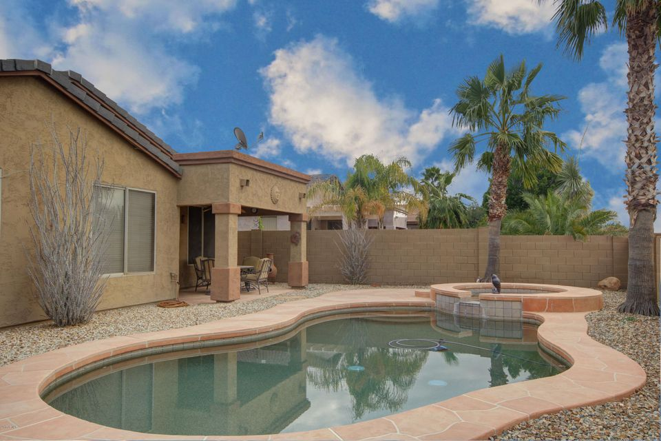 1801 W DEER CREEK Road, Phoenix, AZ 85045