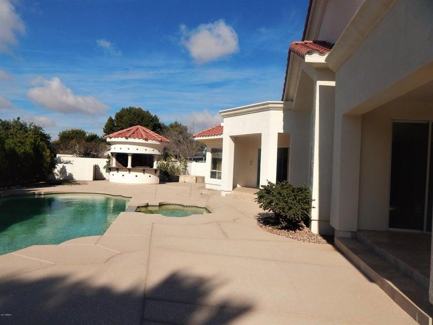 MLS 5548351 330 N CLOVERFIELD Circle, Litchfield Park, AZ 85340 Litchfield Park AZ Gated