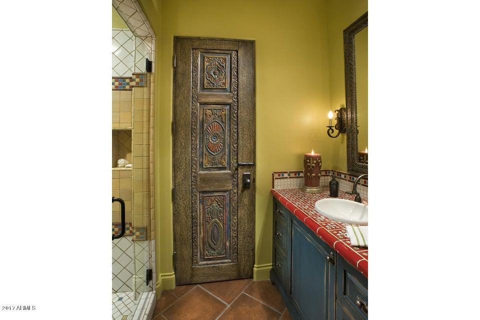 Additional photo for property listing at 5144 E Palomino Road  Phoenix, Arizona,85018 United States