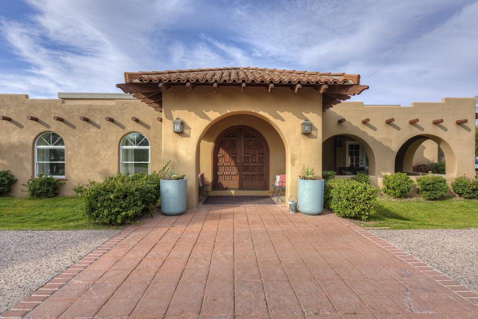 1011 W LAWRENCE Lane, Phoenix, AZ 85021
