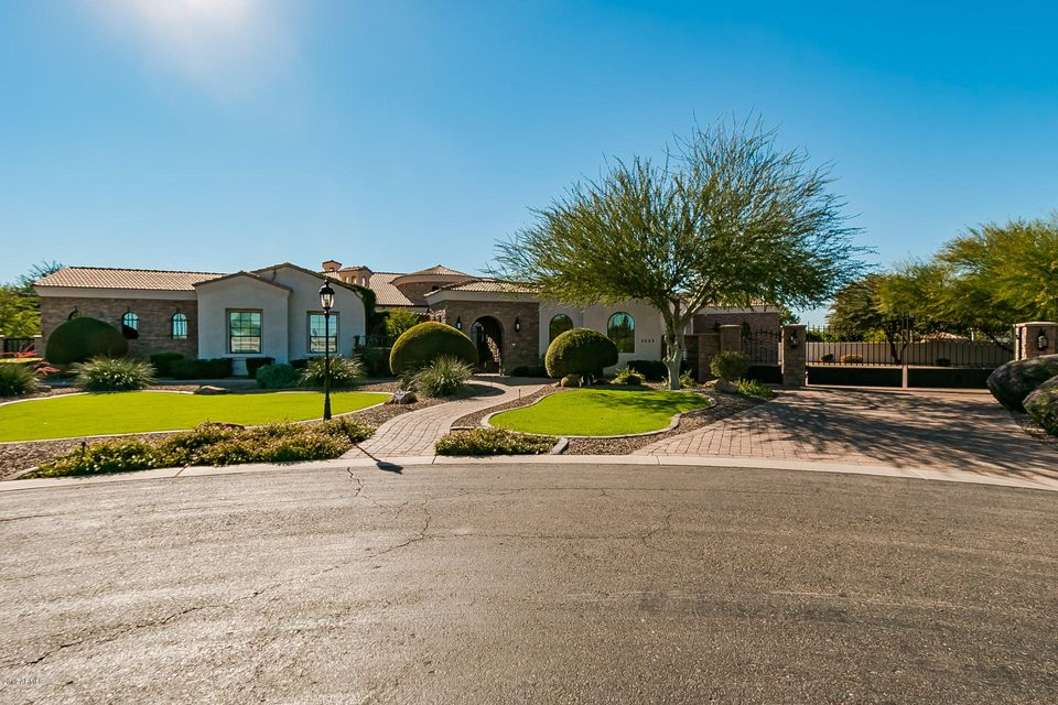 2233 E SANOQUE Court, Gilbert, AZ 85298