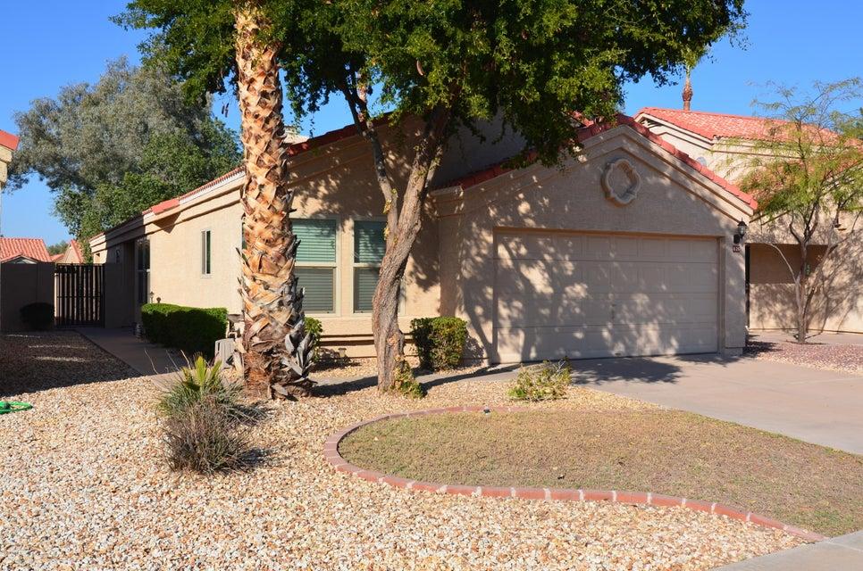 626 N COBBLESTONE Street, Gilbert, AZ 85234
