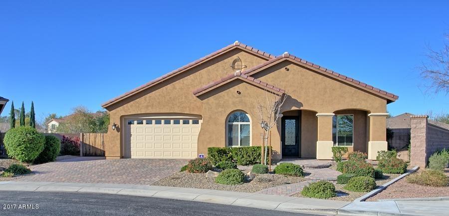 611 W ANGEL Drive, Chandler AZ 85248