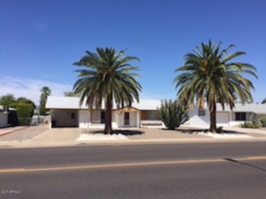 Photo of home for sale at 12014 103RD Avenue N, Sun City AZ