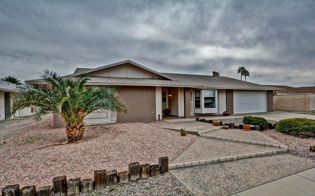 17627 N BUNTLINE Drive, Sun City West, AZ 85375