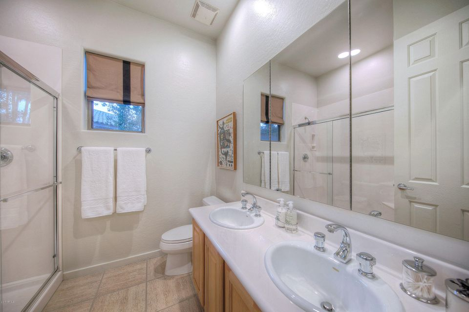 Additional photo for property listing at 4958 E Calle Tuberia --  Phoenix, Arizona,85018 United States