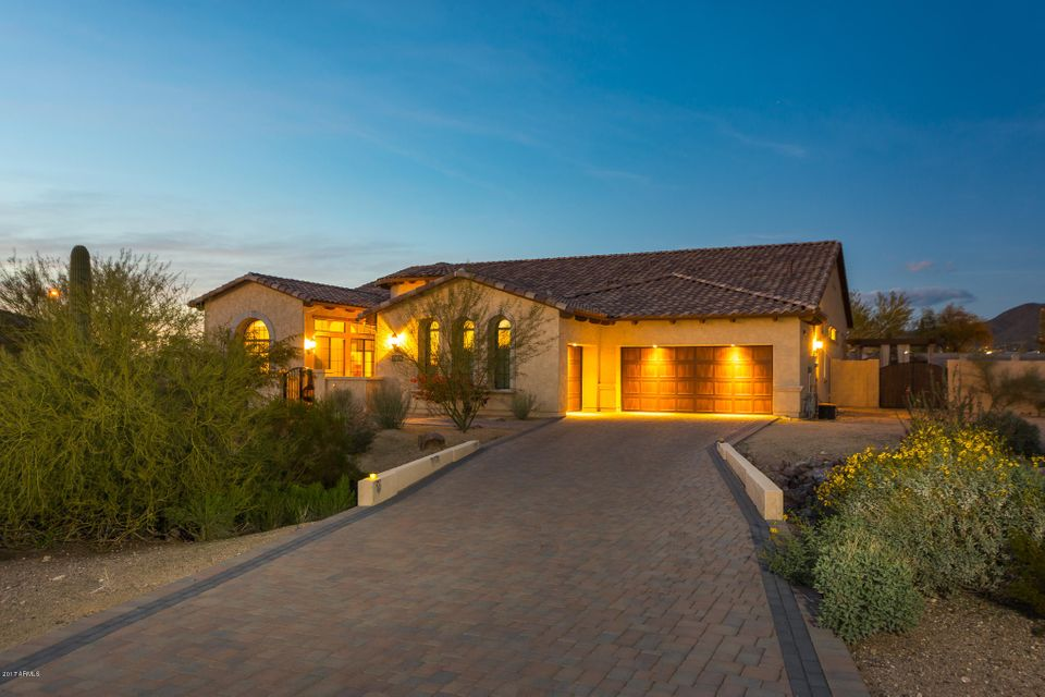 8040 E Laurel Street, Mesa, AZ 85207