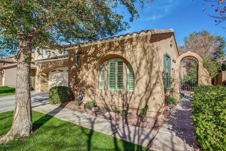 4260 E CULLUMBER Court, Gilbert, AZ 85234