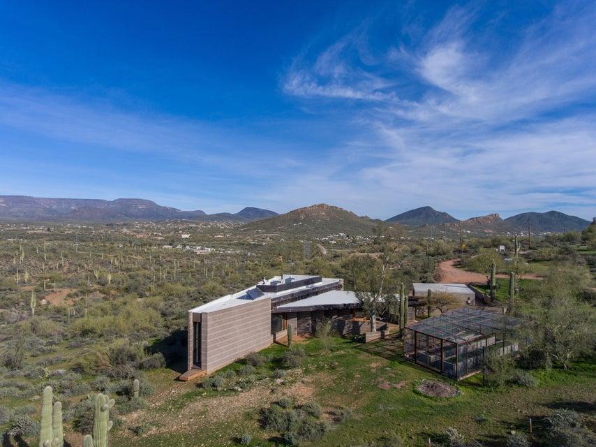 1114 W Circle Mountain Road, New River, AZ 85087