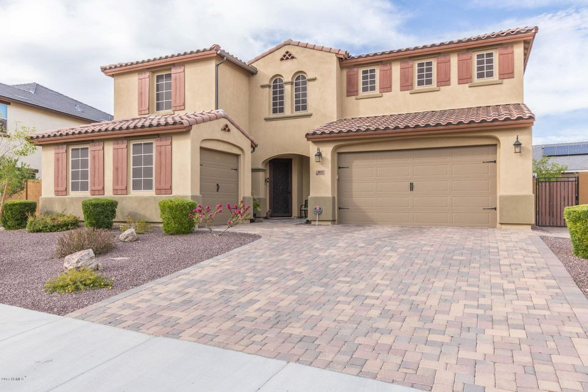 8012 W MOLLY Drive, Peoria, AZ 85383