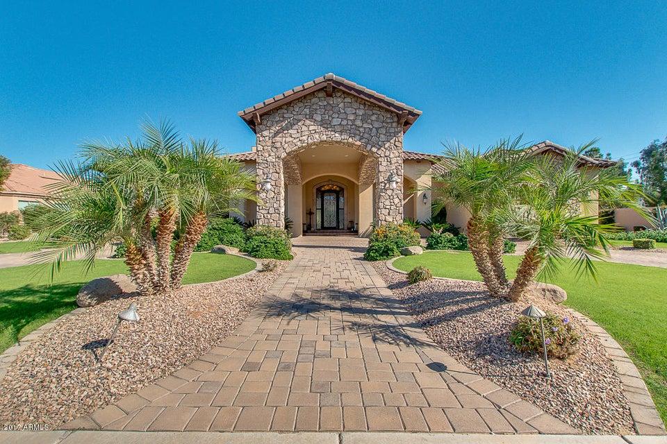 5961 S GEMSTONE Drive, Chandler, AZ 85249