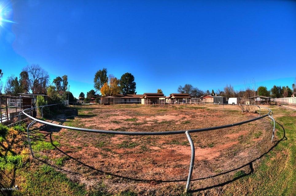 MLS 5565613 717 S PANDORA Drive, Gilbert, AZ 85296 Gilbert AZ Equestrian