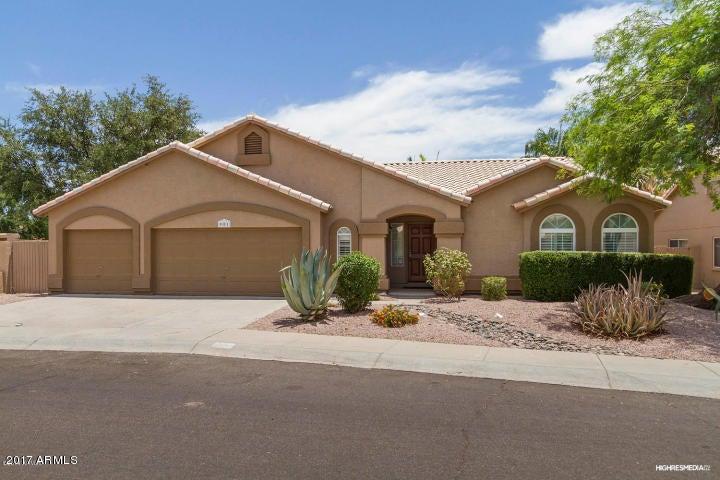 901 S DOLPHIN Drive, Gilbert AZ 85233