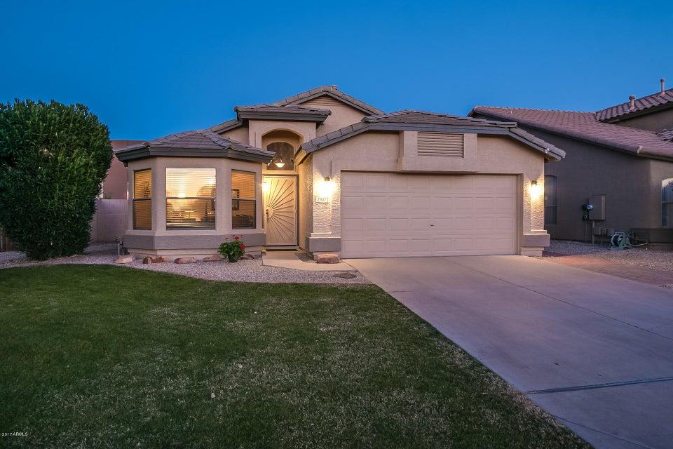 2307 S Peppertree Drive, Gilbert, AZ 85295