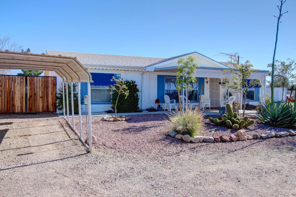227 W Gompers Circle, Morristown, AZ 85342
