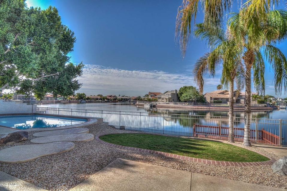 5527 W ARROWHEAD LAKES Drive, Glendale, AZ 85308