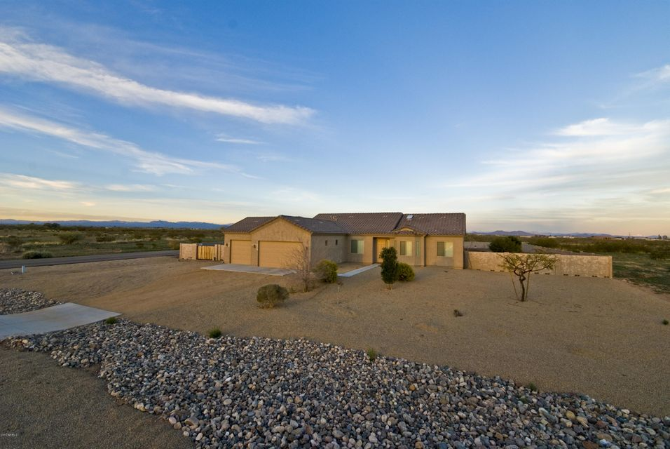 28212 N Bush Street, Wittmann, AZ 85361