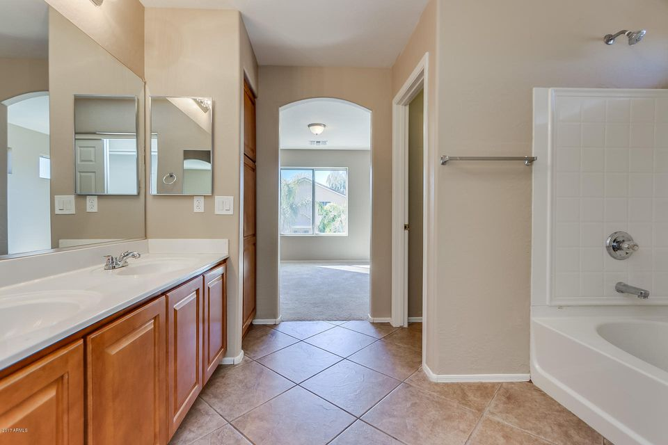 MLS 5571486 1121 E LAKEVIEW Drive, San Tan Valley, AZ 85143 San Tan Valley AZ Rancho Bella Vista