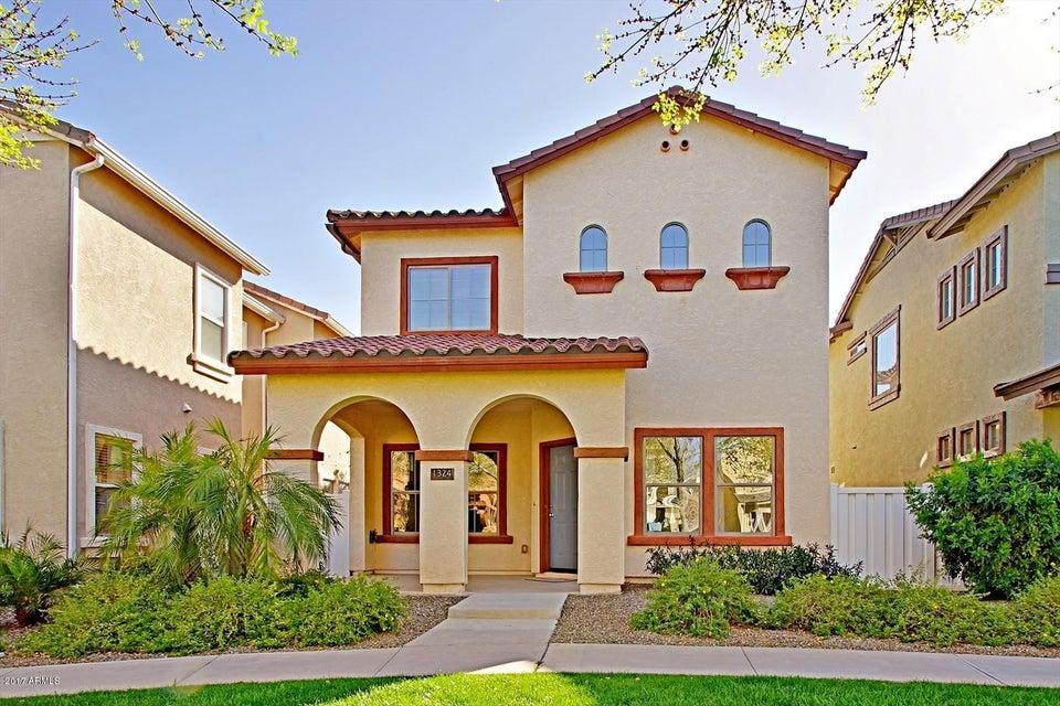 1324 S BANNING Street, Gilbert, AZ 85296