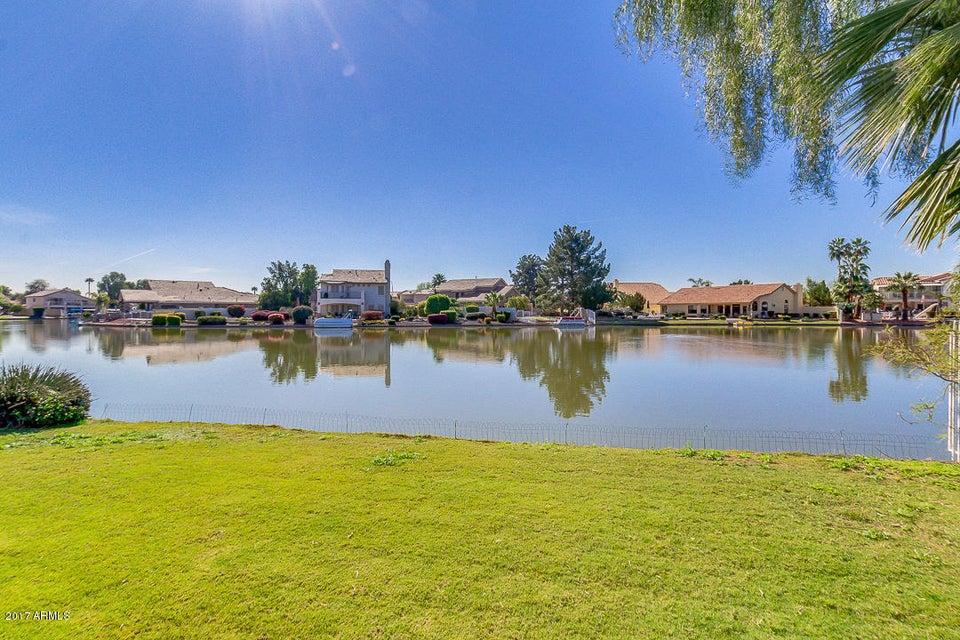 MLS 5574703 10923 W LAURELWOOD Lane, Avondale, AZ 85392 Avondale AZ Private Pool