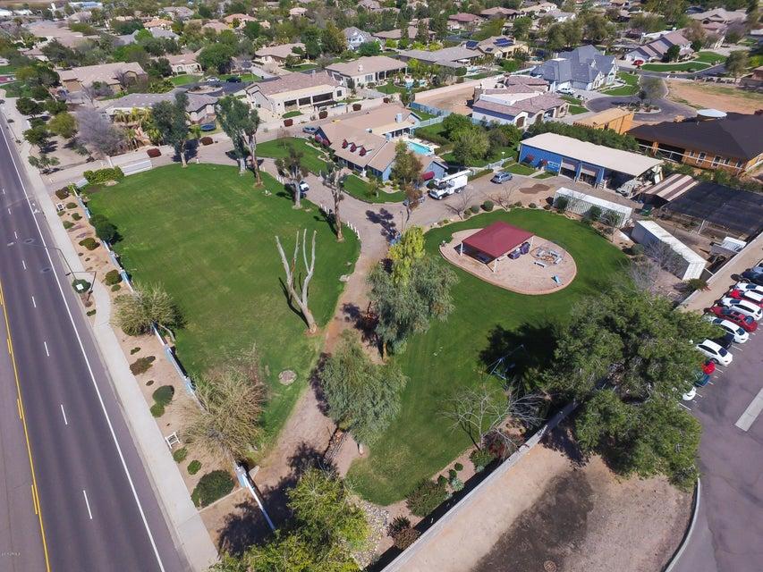 MLS 5566605 10429 S GREENFIELD Road, Gilbert, AZ Gilbert AZ Private Pool