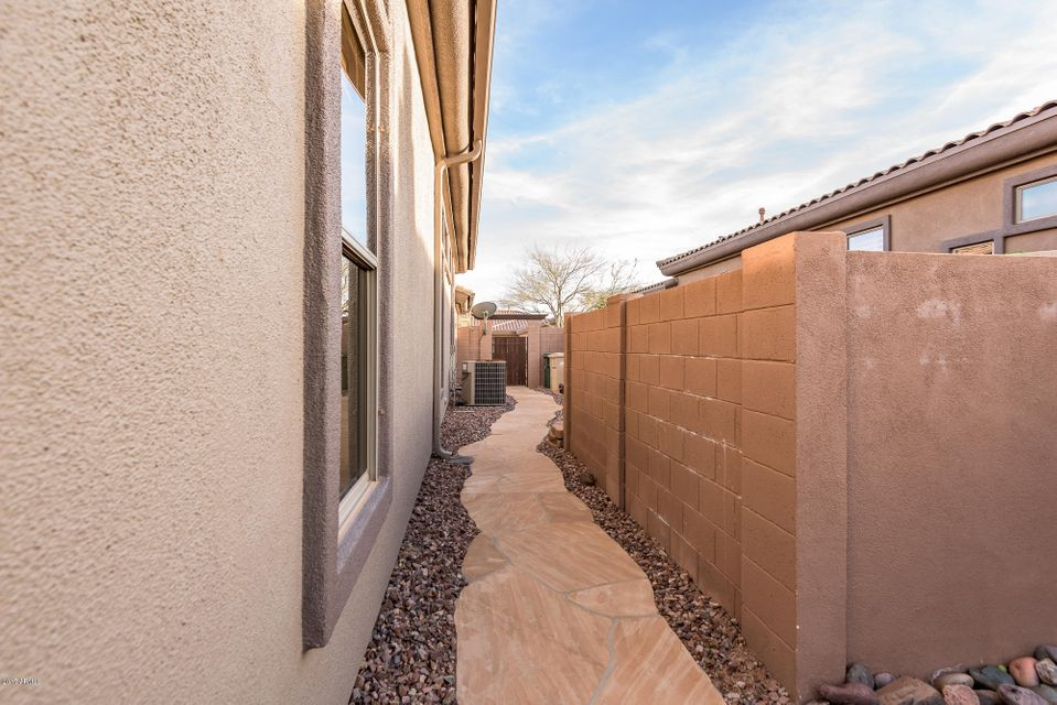 MLS 5573647 1902 W PUMPKIN RIDGE Drive, Anthem, AZ 85086 Anthem AZ Three Bedroom