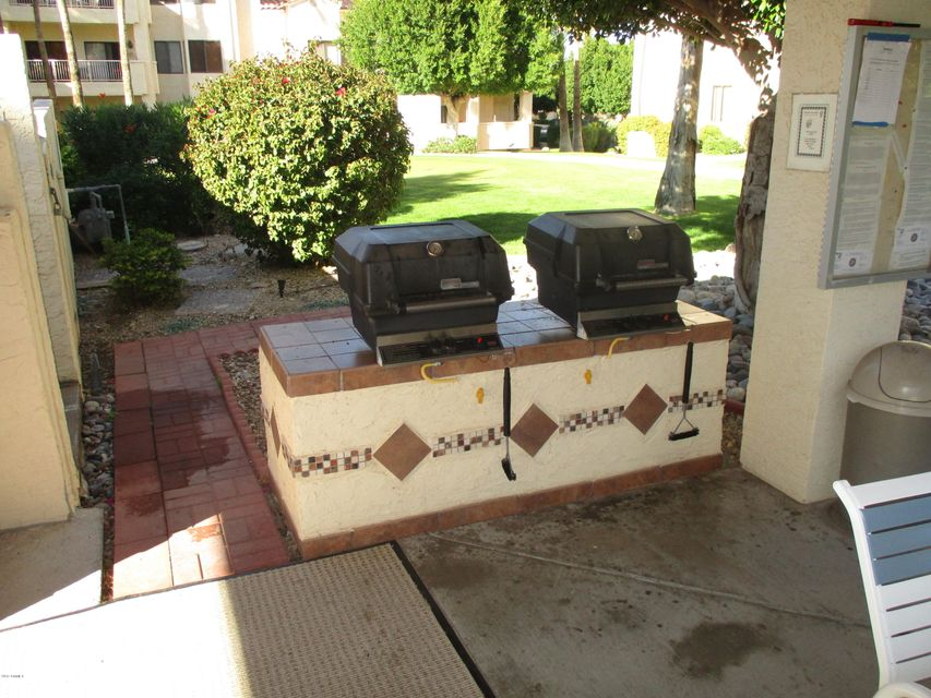 MLS 5574317 19400 N WESTBROOK Parkway Unit 130, Peoria, AZ Peoria AZ Adult Community