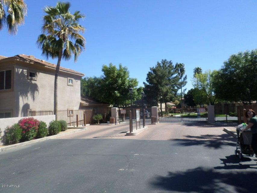 MLS 5568719 7401 W Arrowhead Clubhouse Drive Unit 2057, Glendale, AZ Glendale AZ Golf Condo or Townhome