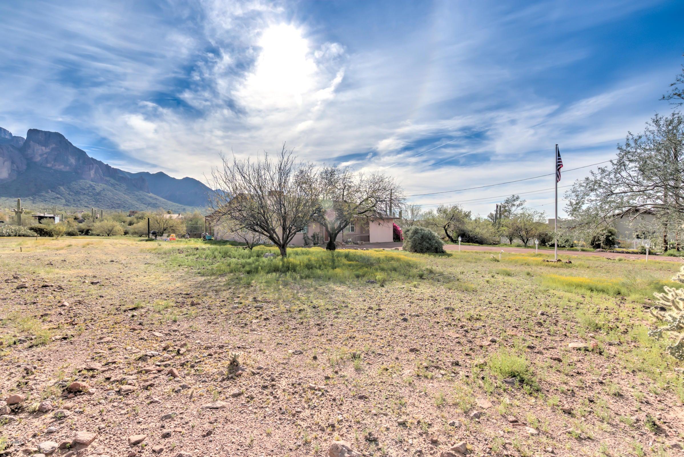 1255 N SUNSET Road, Apache Junction, AZ 85119