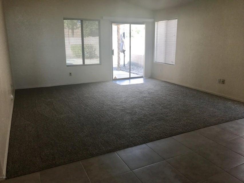 682 S BAHAMA Drive, Gilbert, AZ 85296