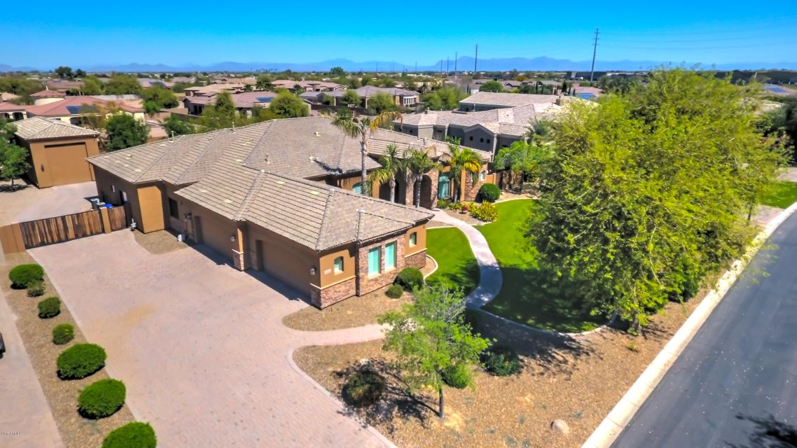 2880 E CLARK Drive, Gilbert, AZ 85297