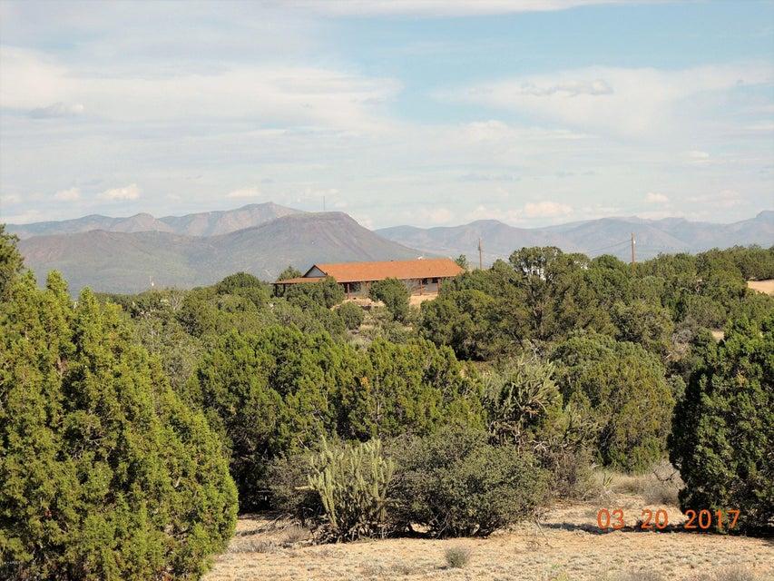 MLS 5570524 10780 E Line Drive, Kingman, AZ Kingman AZ Equestrian