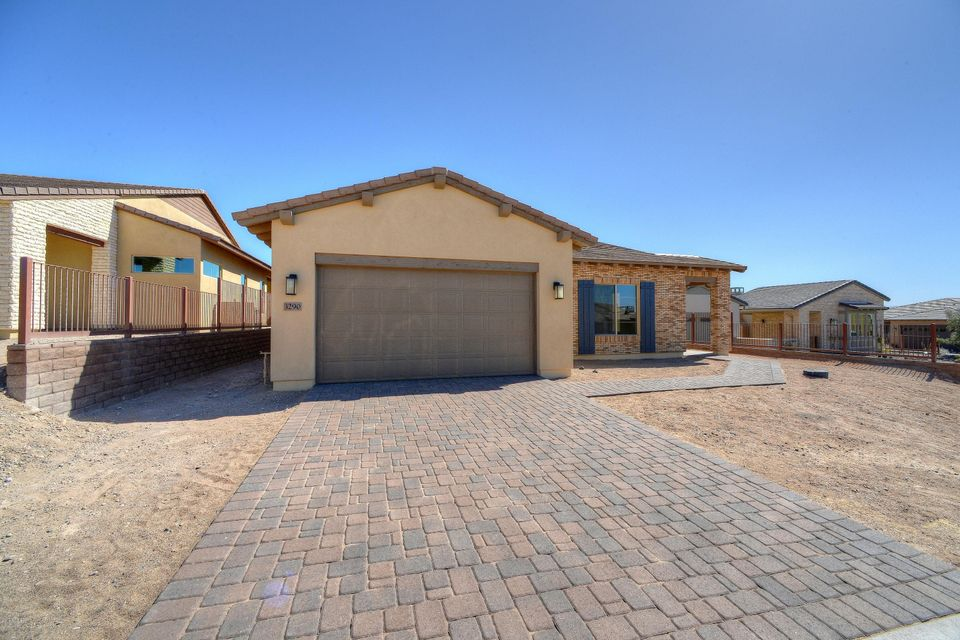 3290 BIG SKY Drive, Wickenburg, AZ 85390