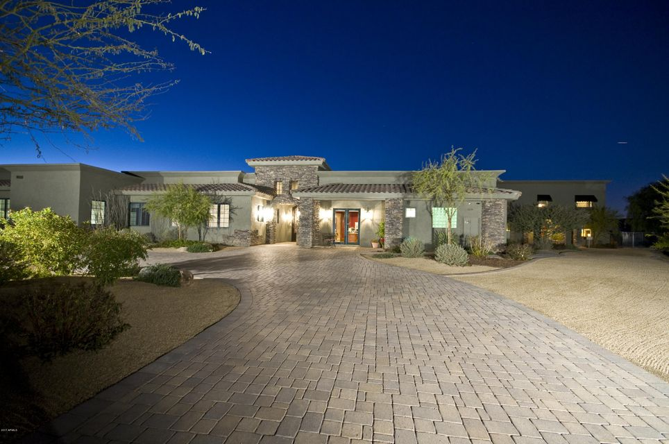 5224 W WINSTON Drive, Laveen, AZ 85339