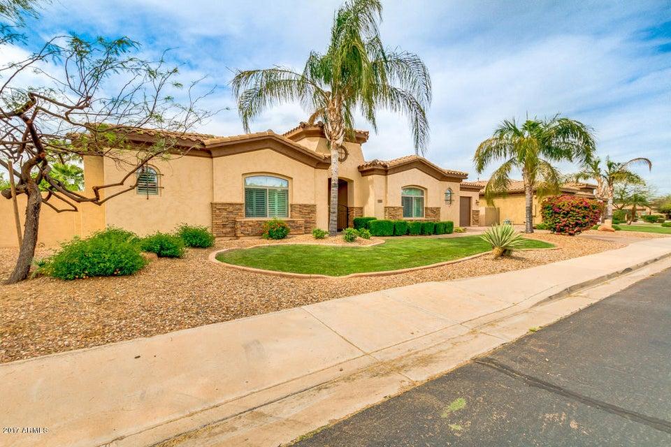 MLS 5580596 686 S PARKCREST Street, Gilbert, AZ 85296 Gilbert AZ Greenfield Lakes
