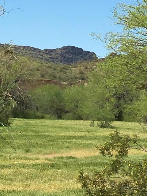 27000 W GILL Road, Morristown, AZ 85342