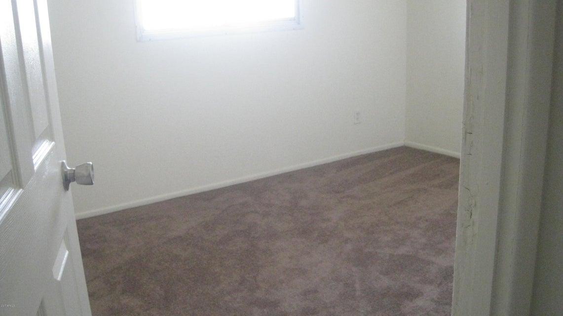 6730 N 43RD Avenue, Glendale, AZ 85301
