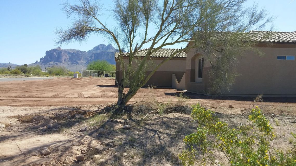 1674 E HIDALGO Street, Apache Junction, AZ 85119