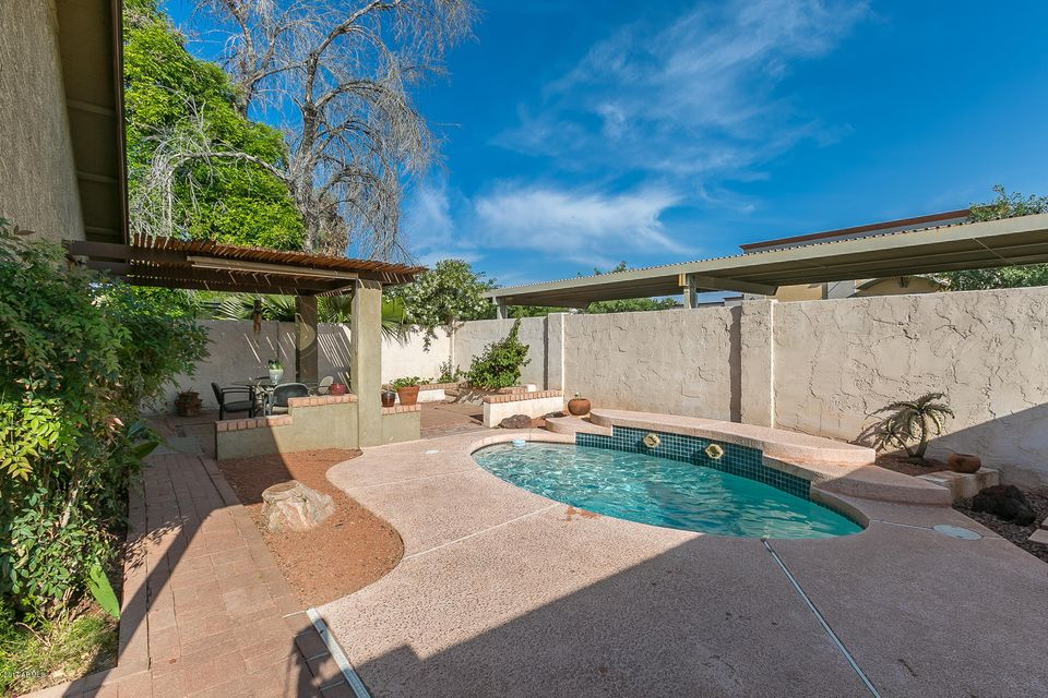 8840 W BLUEFIELD Avenue, Peoria, AZ 85382