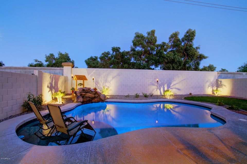 661 N JOSHUA TREE Lane, Gilbert, AZ 85234