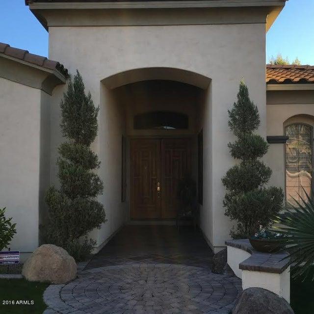 719 W SPARROW Place, Chandler, AZ 85286