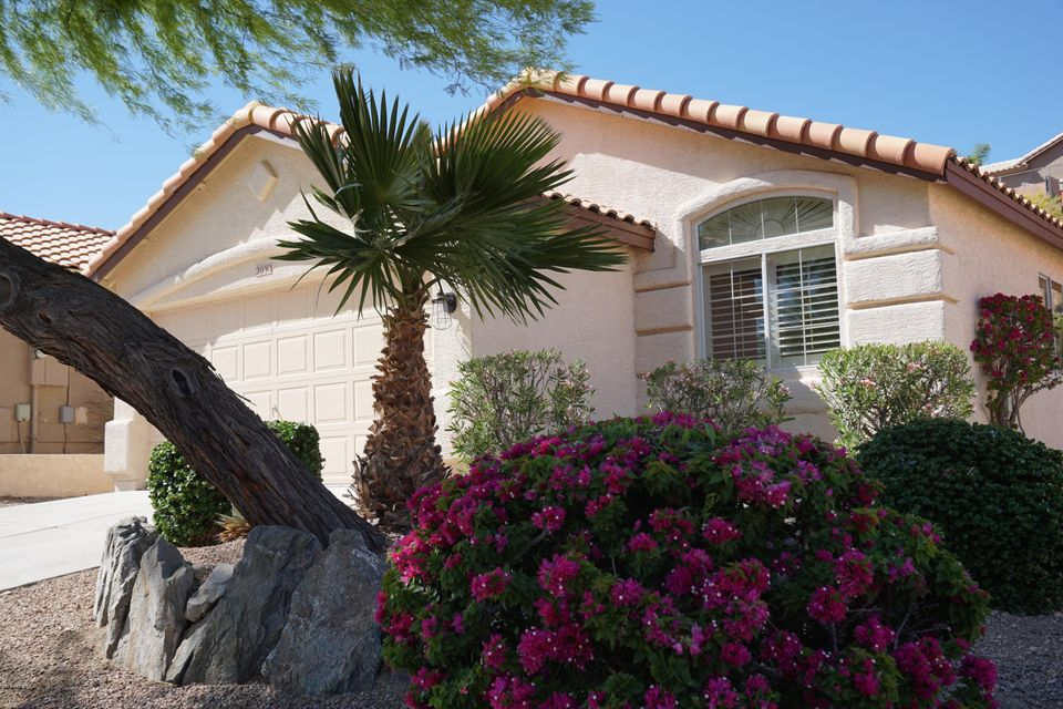 2030 E GLENHAVEN Drive, Phoenix, AZ 85048