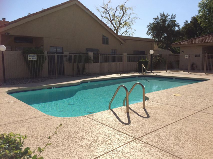 MLS 5587020 586 N SPANISH SPRINGS Drive, Chandler, AZ Chandler AZ Waterfront