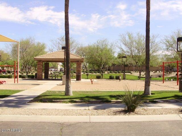 MLS 5585972 1318 S OWL Drive, Gilbert, AZ 85296 Gilbert AZ The Gardens