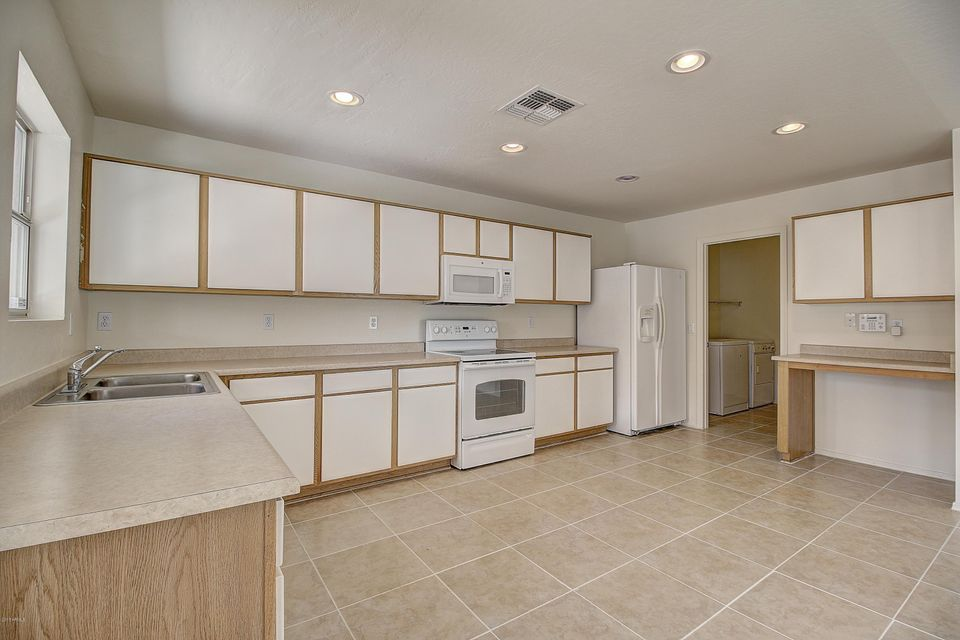 3215 W SAINT ANNE Avenue Phoenix, AZ 85041 - MLS #: 5577371
