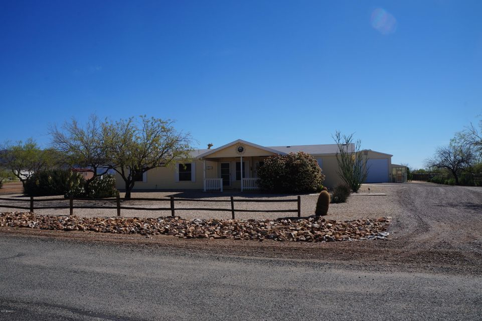 27725 S Clydesdale Avenue, Congress, AZ 85332