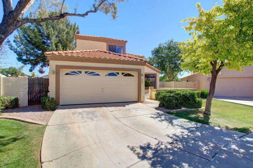 242 E STONEBRIDGE Drive, Gilbert, AZ 85234