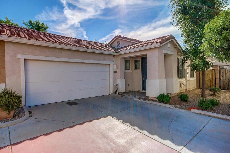 885 S PORTER Court, Gilbert, AZ 85296