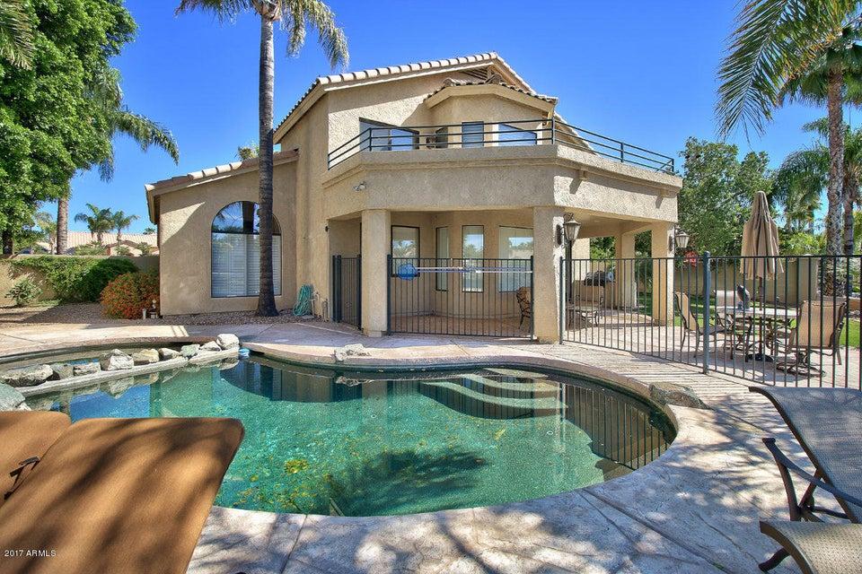 1819 E LAKECREST Drive, Gilbert, AZ 85234